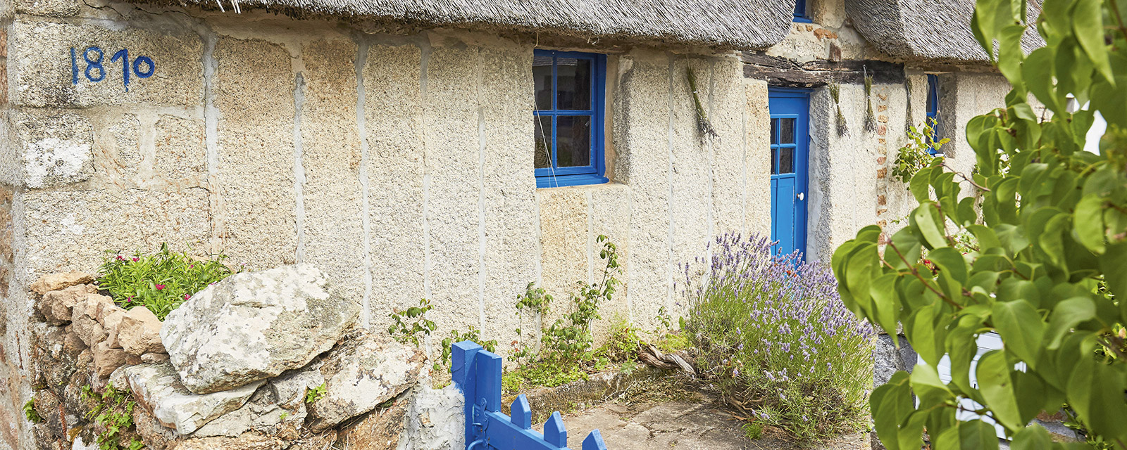 The thatched house of Ben Aven