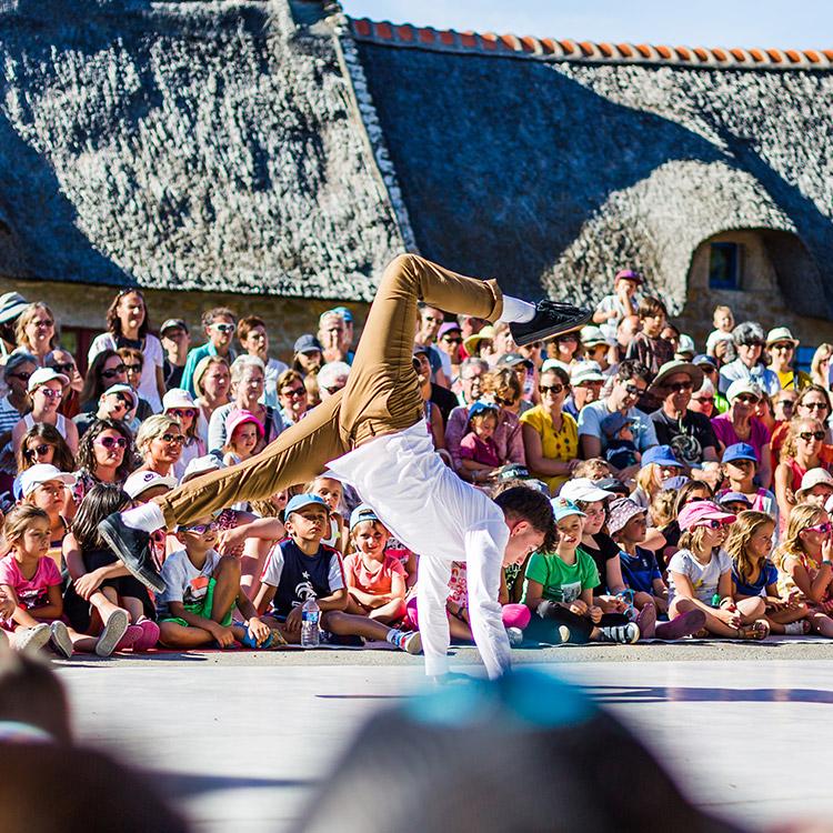 """""""Place aux Mômes"""": a child festival"""
