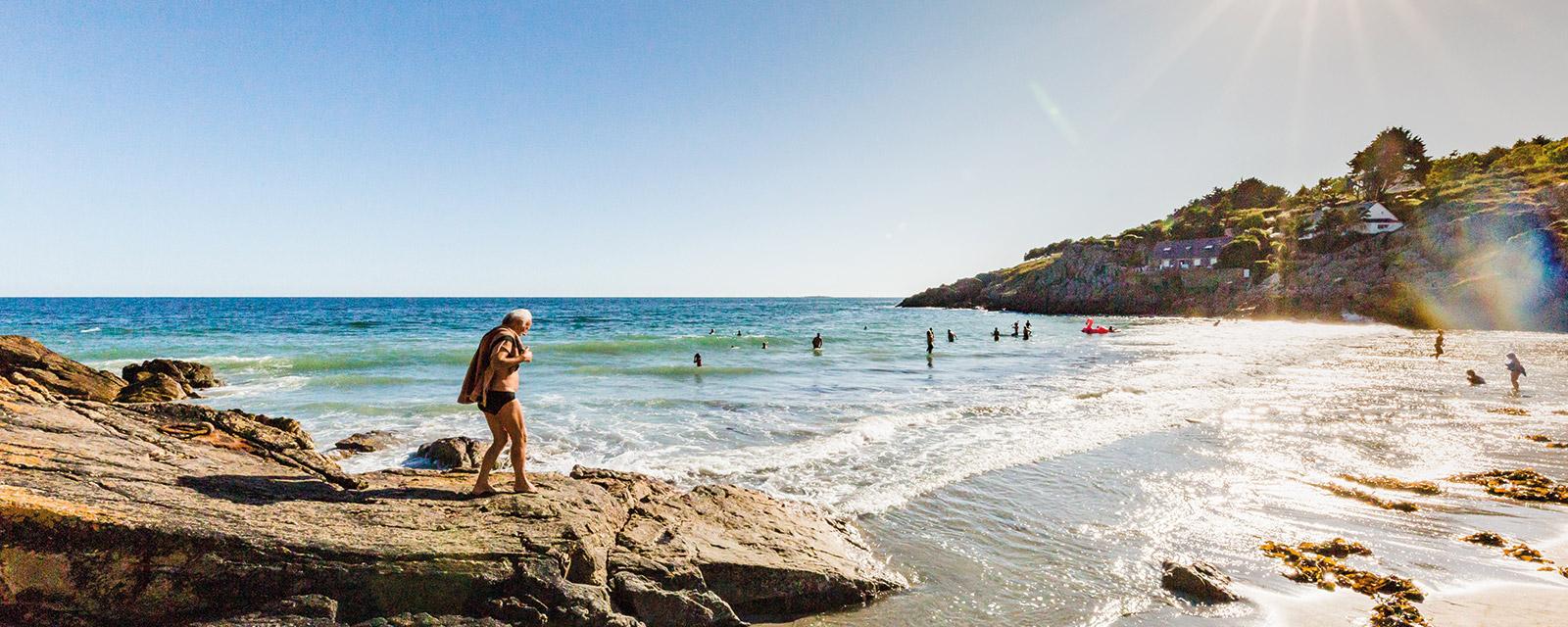 A marée basse les falaises se découvrent